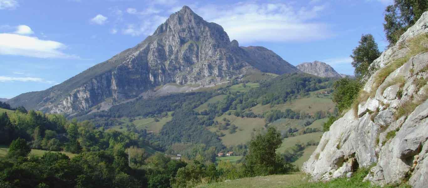 Spain wildlife tours slide showing Somiedo Natural Park