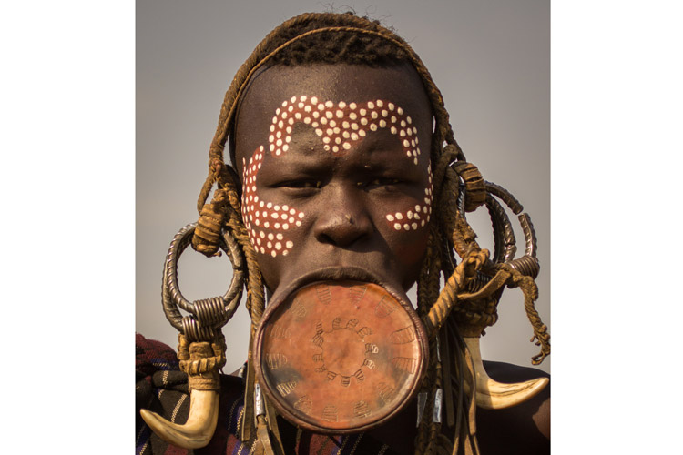 Ethiopia tours slide shows Mursi woman with lip plate