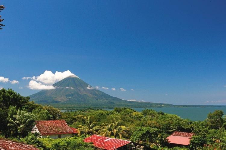Nicaragua tours slide shows Isle de Ometepe volcano