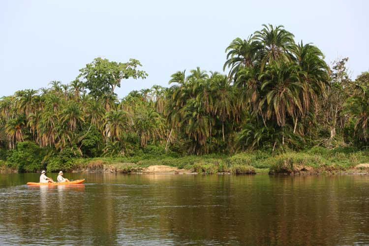 Congo expedition picture of kayaking on Lekoli River
