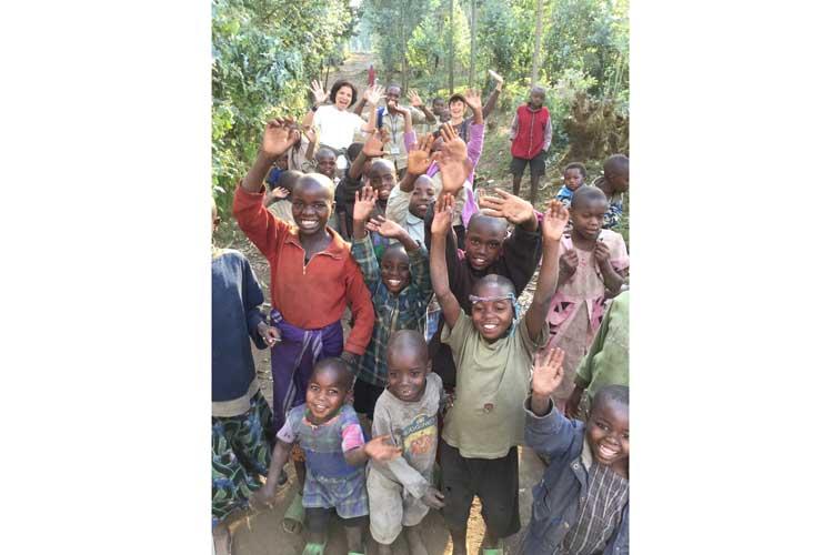 Rwanda safari picture of village children