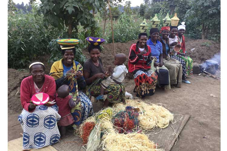 Rwanda safaris photo of basket weavers