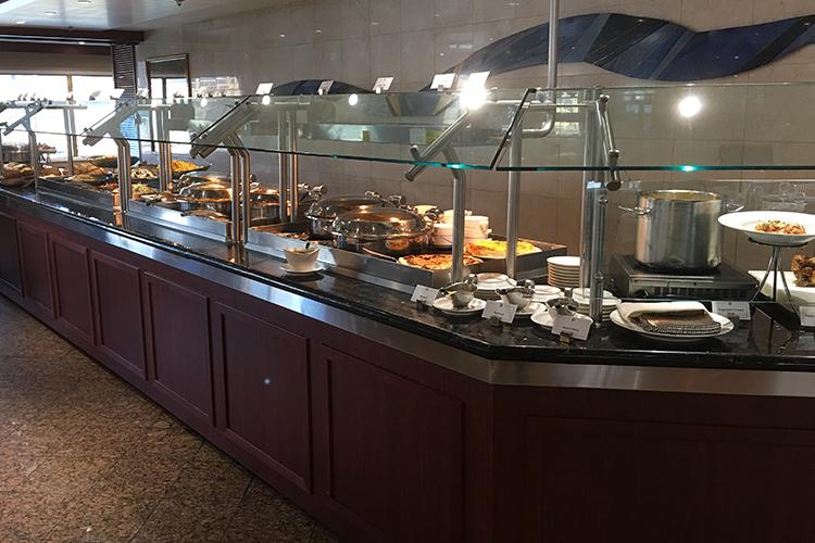 Silver Explorer lunch buffet