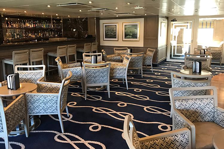 Silver Explorer panorama lounge and bar